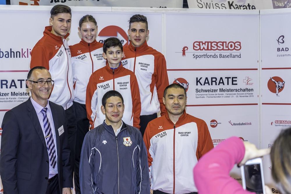 Die vier neuen Schweizermeister mit Ehrengast und Weltmeister Shinji Nagaki aus Japan